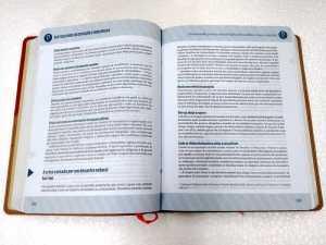 Bíblia-ministerial-Vermelho-e-beje-interno-2